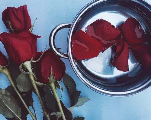 BLOGPOST: DIY, How to Make Rosewater