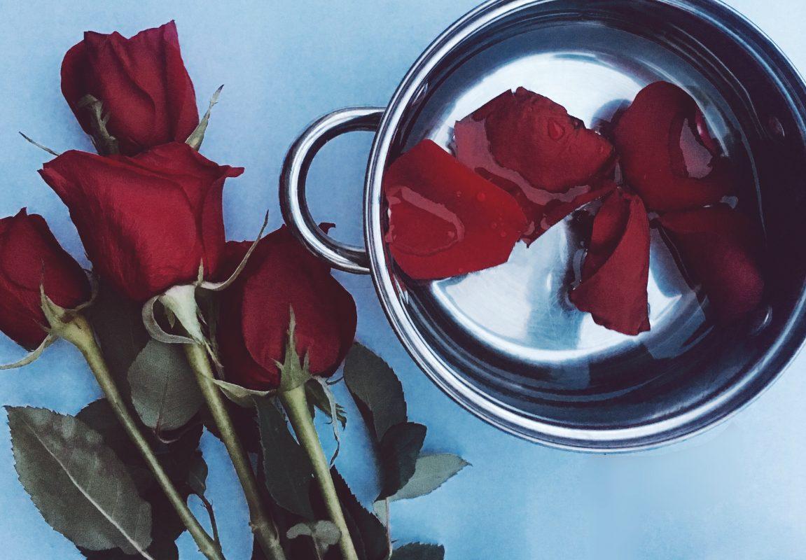 BLOGPOST: DIY, How to Make Rosewater